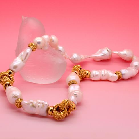 Gorgeous Baroque Pearl And Textured Gold Necklace - Item # N3051 - Reliable Gold Ltd.
