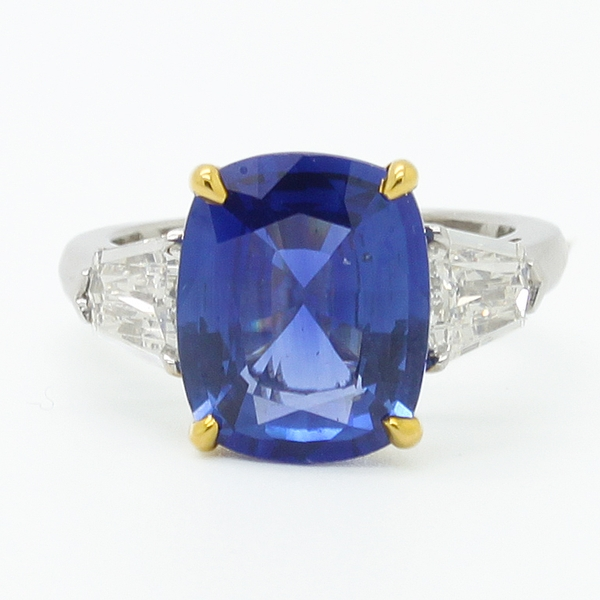 Large Sapphire Ring With Shield Side Diamonds - Item # JM0058 - Reliable Gold Ltd.