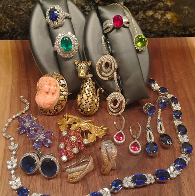 Estate Jewelry Holiday Trunk Show